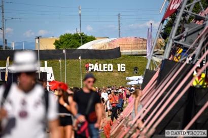 JUILLET | A Nyon, le Paléo Festival se lance pour sa part dans l'édition 40+1. S'y produiront Iron Maiden, Muse, Les Insus ou Michel Polnareff. Photo: © David Trotta. VOIR LES GALERIES: https://planscultes.ch/2016/07/20/ambiance-paleo-festival/ || https://planscultes.ch/2016/07/21/ambiance-paleo-festival-2/
