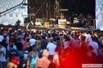 Le public a envahi le devant de la scène des Arches pour le concert de l'Australienne Courtney Barnett. © David Trotta