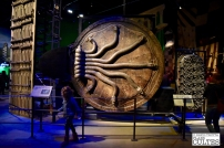 Tour d'horizon d'outils pas si magiques. De gauche à droite : une porte de Poudlard, la porte cachée dans Harry Potter et la chambre des secrets et la porte magique de la banque Gringotts. © David Trotta