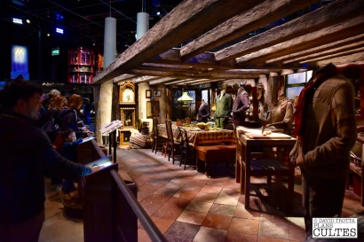 Détour par la cuisine du Terrier, la maison où vit la famille Weasley. © David Trotta