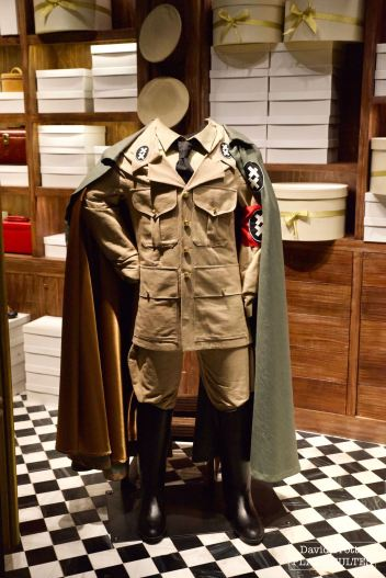 Le costume porté par Chaplin dans son rôle du Dictateur. © David Trotta