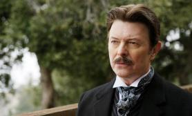 Second rôle mais récurrent, David Bowie incarne Nikola Tesla dans le film Le Prestige.