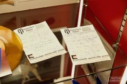 Textes du premier album solo de Freddie Mercury, rédigés durant son séjour à Munich © David Trotta